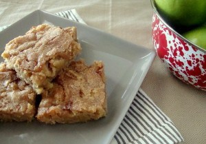 apple spiced blondies for thanksgiving dinner