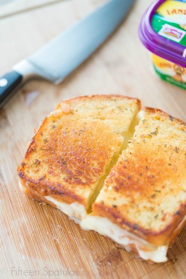 Chicken Brie Grilled Cheese Sandwich Recipe @fifteenspatulas