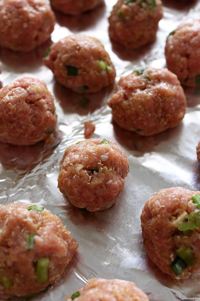 Spicy-Turkey-Quinoa-Meatballs-01