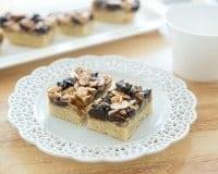 Florentine_Cookie_Bars_Recipe_fifteenspatulas_2