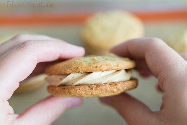 Peanut_Butter_Sandwich_Cookies_Recipe_Homemade_Nutterbutter_fifteenspatulas_1
