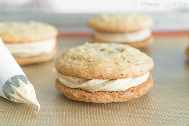 Peanut_Butter_Sandwich_Cookies_Recipe_Homemade_Nutterbutter_fifteenspatulas_11