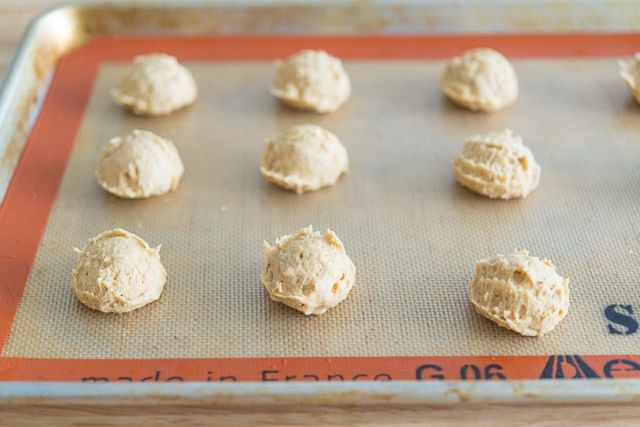 Peanut_Butter_Sandwich_Cookies_Recipe_Homemade_Nutterbutter_fifteenspatulas_3