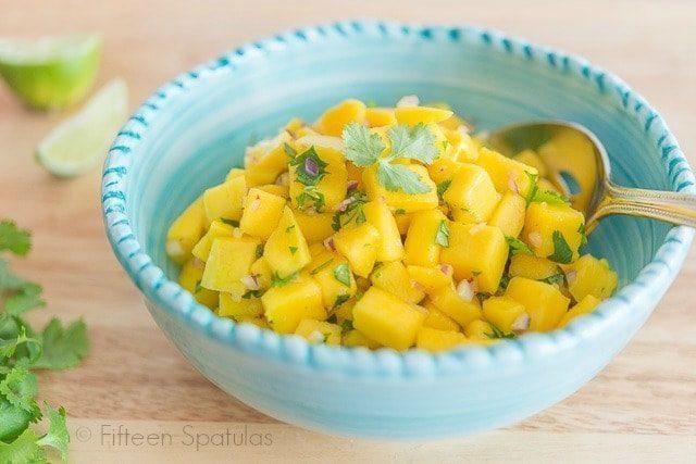 Mango_Salsa_Recipe_fifteenspatulas_4