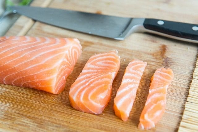 How to cut Salmon for Sushi Rolls