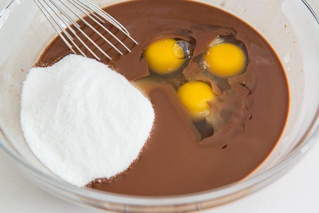 Easy Coconut Oil Brownie Recipe