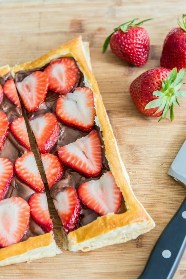 Easy 3-Ingredient Strawberry Nutella Puff Pastry