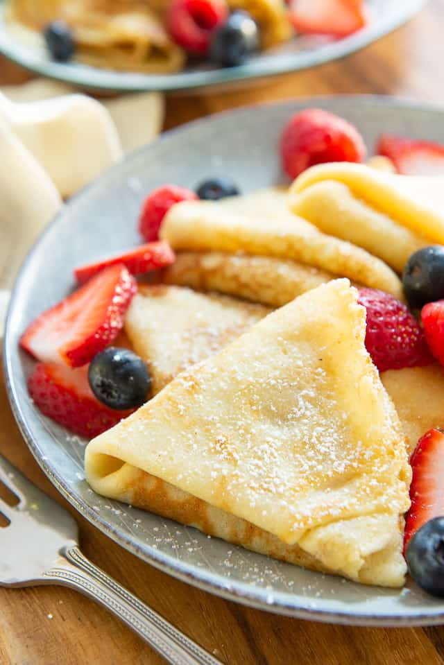 Crepes - How to Make Crepes! Easy recipe using 6 ingredients #crepes #crepe #crepesrecipe #breakfast #dessert
