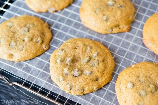 Pumpkin Chocolate Chip Cookies Recipe @fifteenspatulas