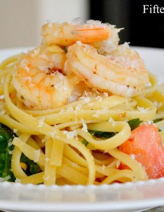 Linguine with Shrimp, Garlic, Baby Spinach, and Tomatoes
