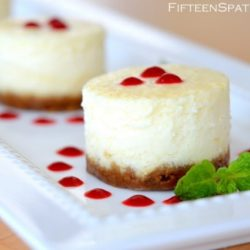 Mini Cheesecakes with Raspberry Sauce