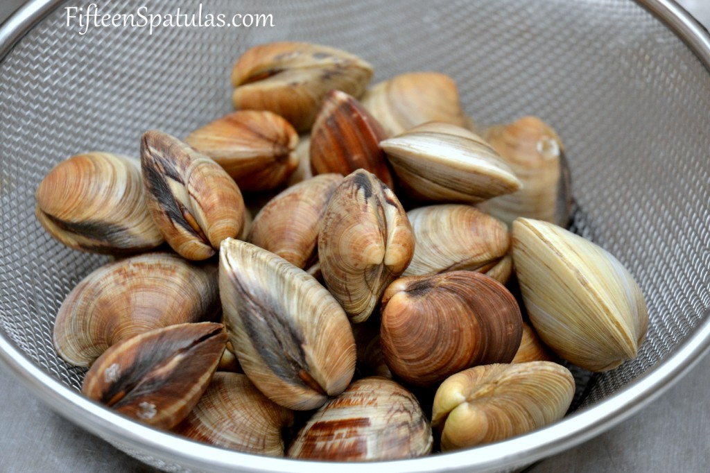 Littleneck Clams in Fine Mesh Strainer