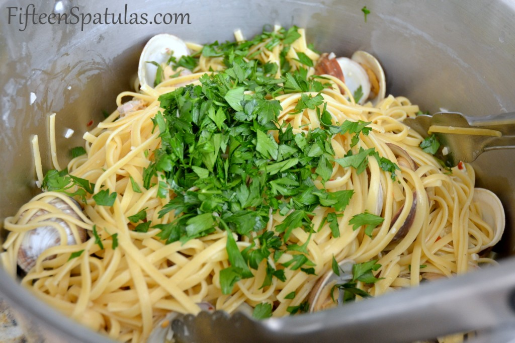 Linguine Noodles in Pot with Parsley and Clams