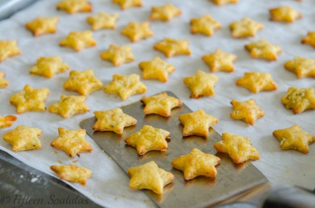 a tray of homemade cheddar cheese jalapeno crackers