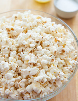 How to Make Popcorn on the Stovetop