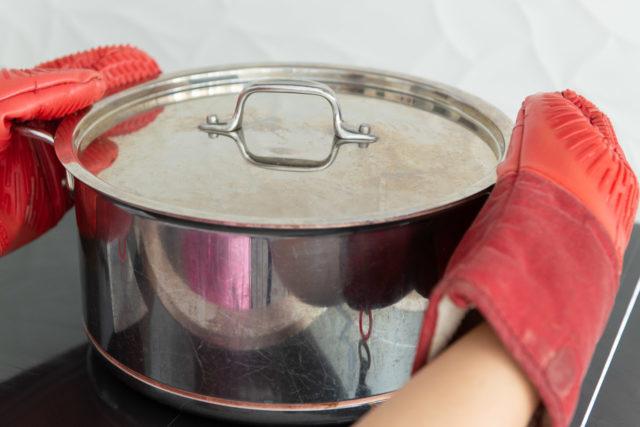 Shaking Pan on Cooktop