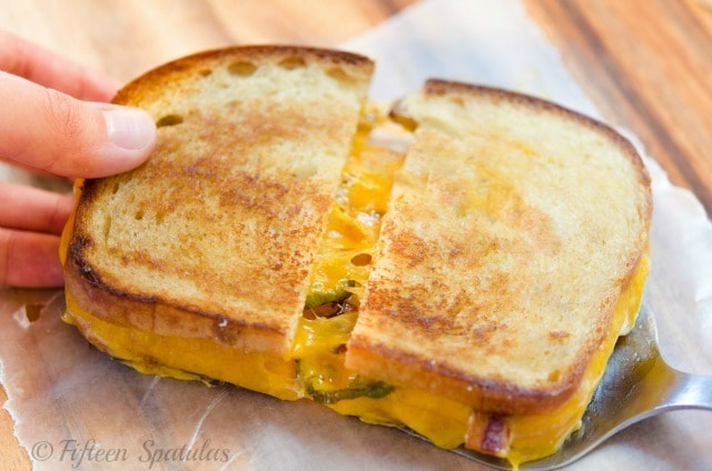 Bacon Cheddar Jalapeno Grilled Cheese Sandwich - Fifteen ...