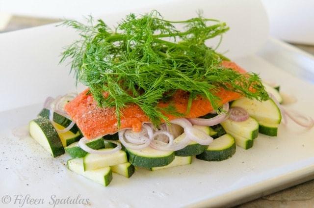 salmon en papillote, dill, shallots, zucchini