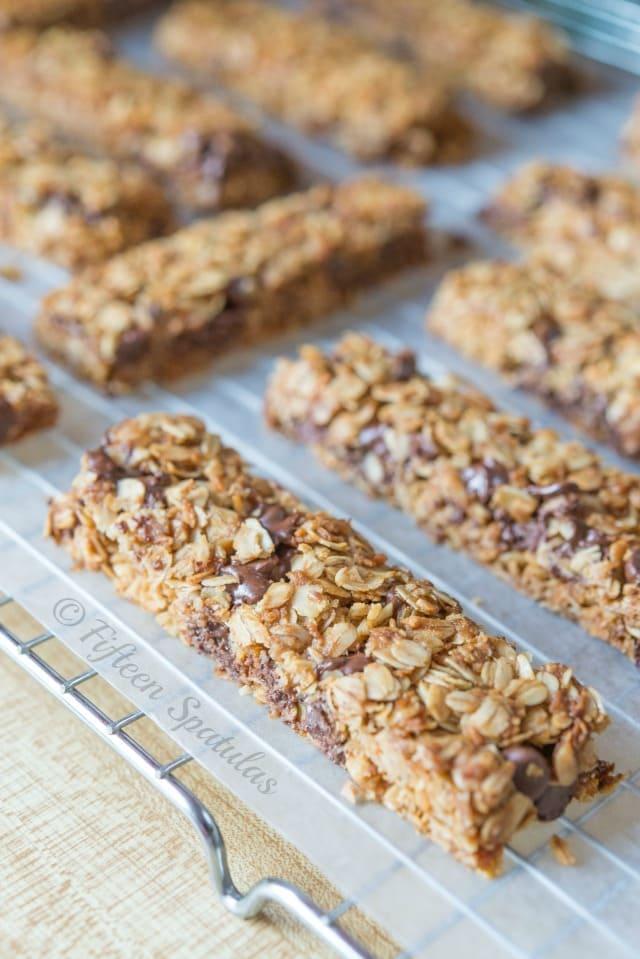 Chocolate Chip Granola Bars Recipe @fifteenspatulas