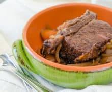 Slow Cooker Short Rib in Green Dish