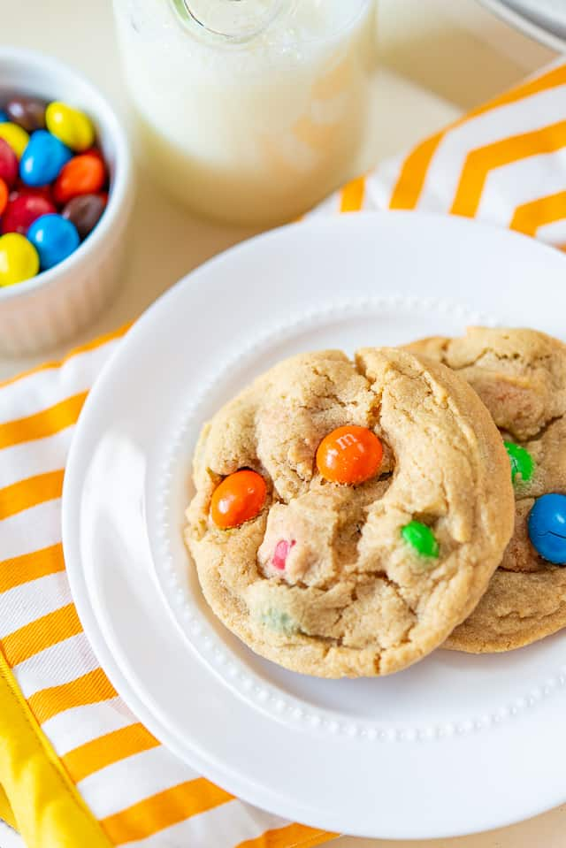 Peanut Butter M&M Cookies #peanutbutter #cookies #easy #recipe #M&Ms