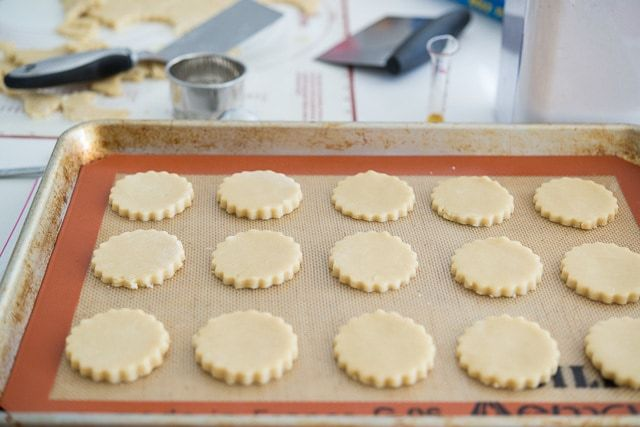 Best_Vanilla_Cutout_Cookies_Recipe_fifteenspatulas_5