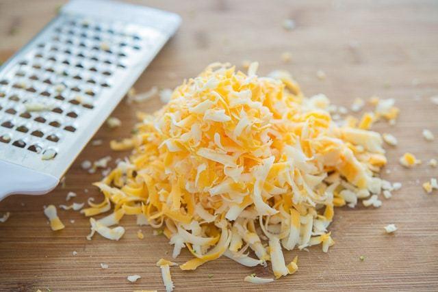 Broccoli_Cheddar_Soup_Recipe_Quick_fifteenspatulas_7