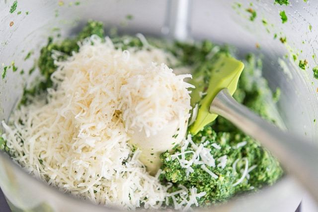 Kale_Pesto_Potato_Salad_Recipe_fifteenspatulas_8