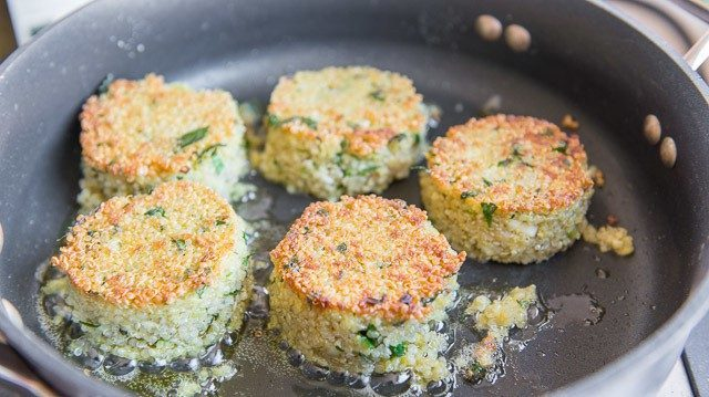 Pan Fried Quinoa Cakes - Easy Quinoa Patties