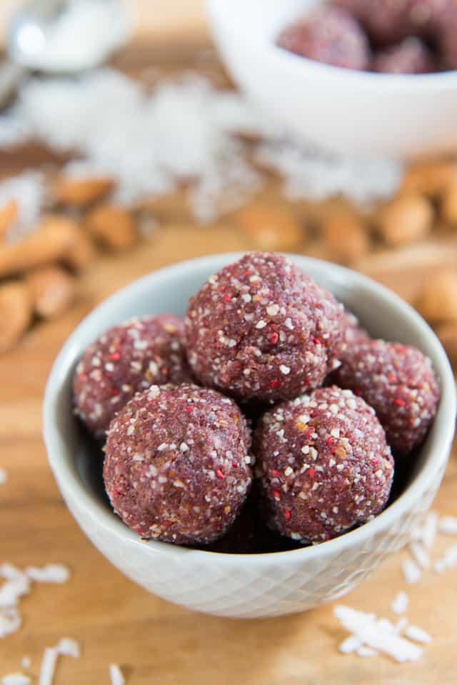 Raspberry Coconut Energy Bites #healthy #snacks #paleo #vegan #whole30