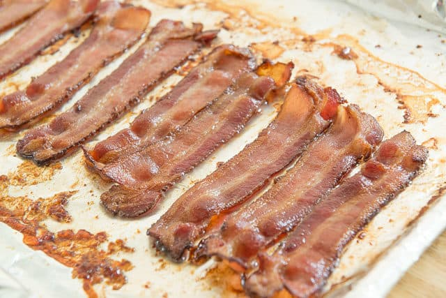 Oven Baked Bacon - Easy Recipe for Crispy Bacon!