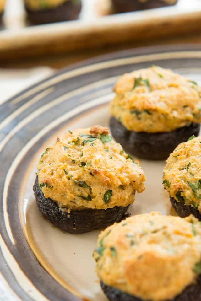 Stuffed Mushroom Caps - Easy Stuffed Mushrooms #mushrooms #appetizer #stuffed #stuffedmushrooms #mushroomrecipes