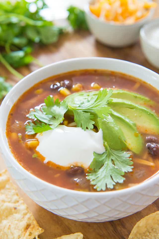 Chicken Tortilla Soup - Easy and so much flavor! #chickentortillasoup #chickensoup #soup #healthy