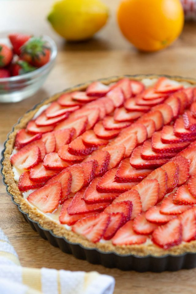 Strawberry Tart with Mascarpone Filling